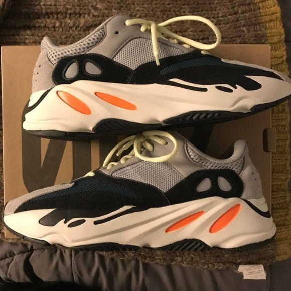 yeezy scarpe adidas spinta 700 ondata runner poshmark